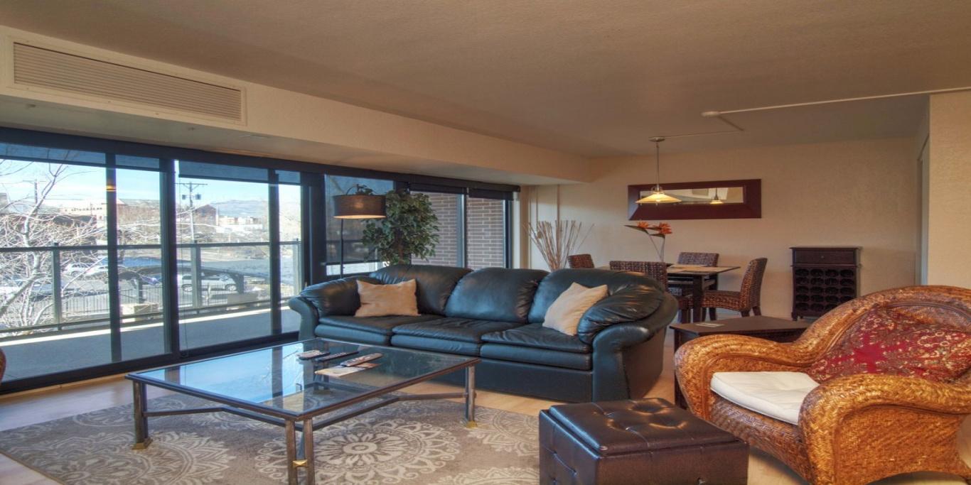 417 E Kiowa St., #304, Colorado Springs, Colorado 80903, 1 Bedroom Bedrooms, ,2 BathroomsBathrooms,Condo,Furnished,E Kiowa,3,1305